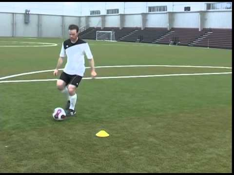 How To Do The Single Lunge Soccer Football Move