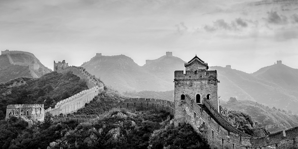 great wall of China black and white photo